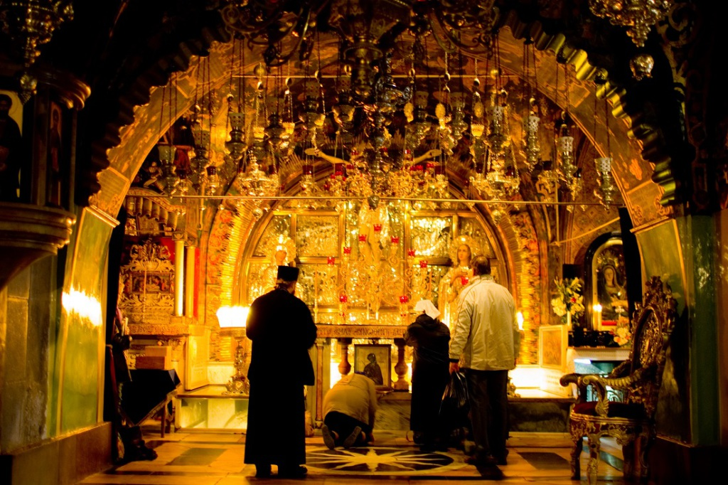 The Altar at Calvary in the Church of the Holy Sepulchre (From Wikimedia Commons)